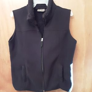 Black fleece vest